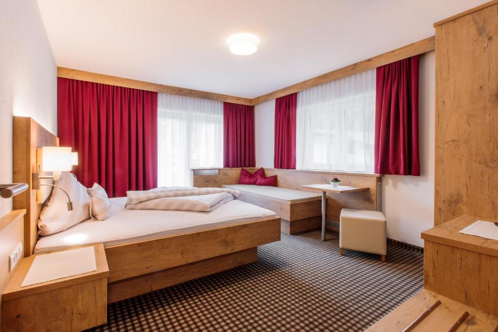 Condo Hotel Apart Madeleine, Sölden, Austria - Booking.com