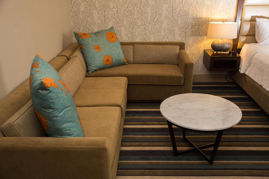 gallery image of this property - Hilton Garden Inn Montebello
