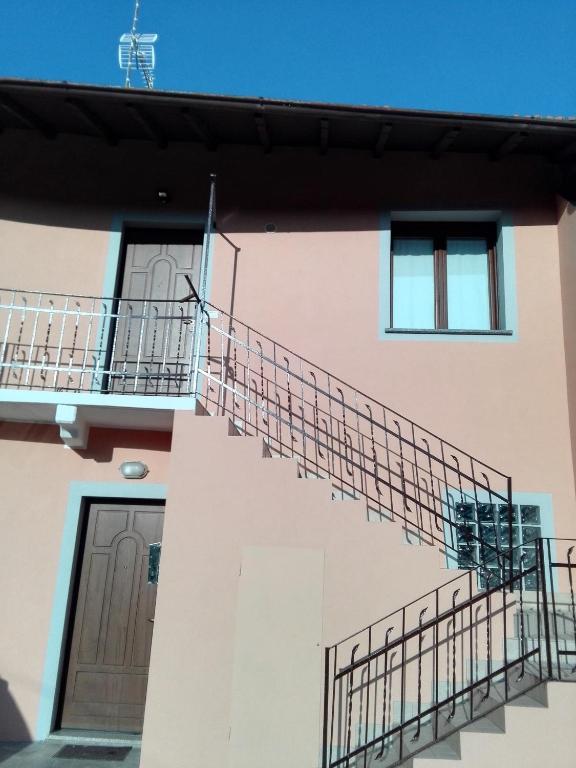 Appartamento Ester, Cardano al Campo, Italy - Booking.com