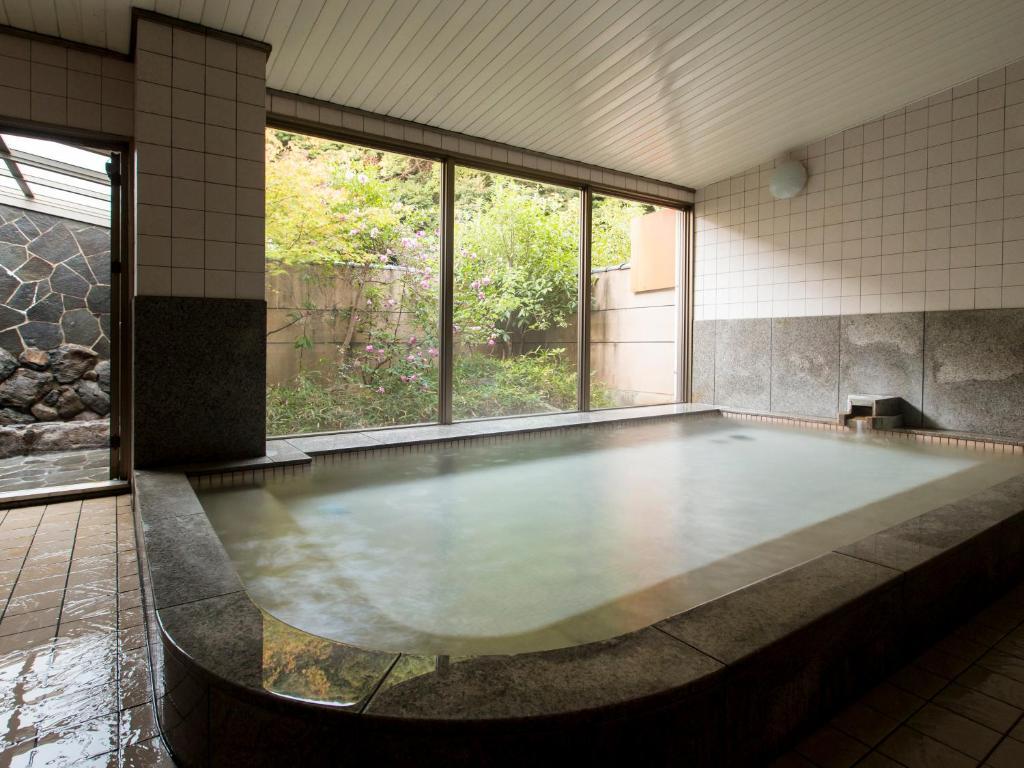 ポイント2.旅の疲れも吹き飛ぶ!大浴場と露天風呂