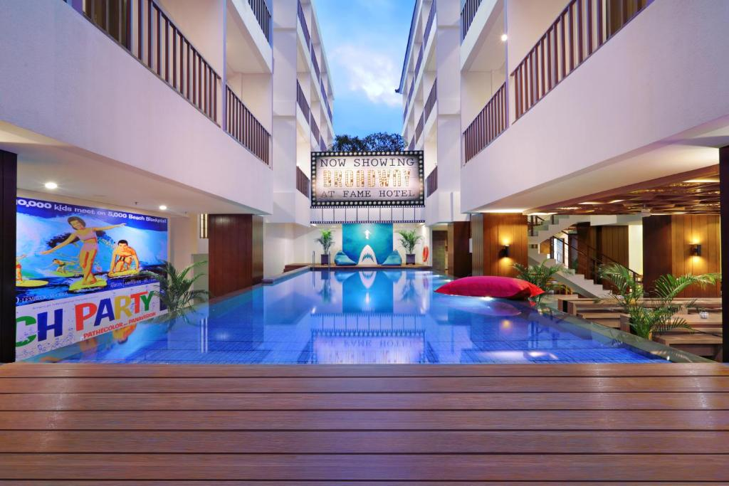 Bazén v ubytování Fame Hotel Sunset Road nebo v jeho okolí