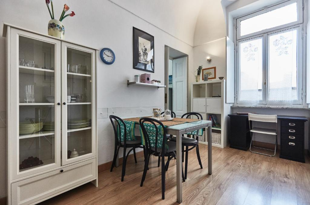Appartamento trilocale san salvario italia torino for Hotel san salvario torino