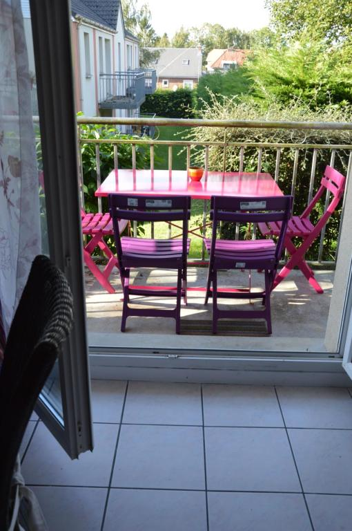 Apartments In Sailly-le-sec Picardy