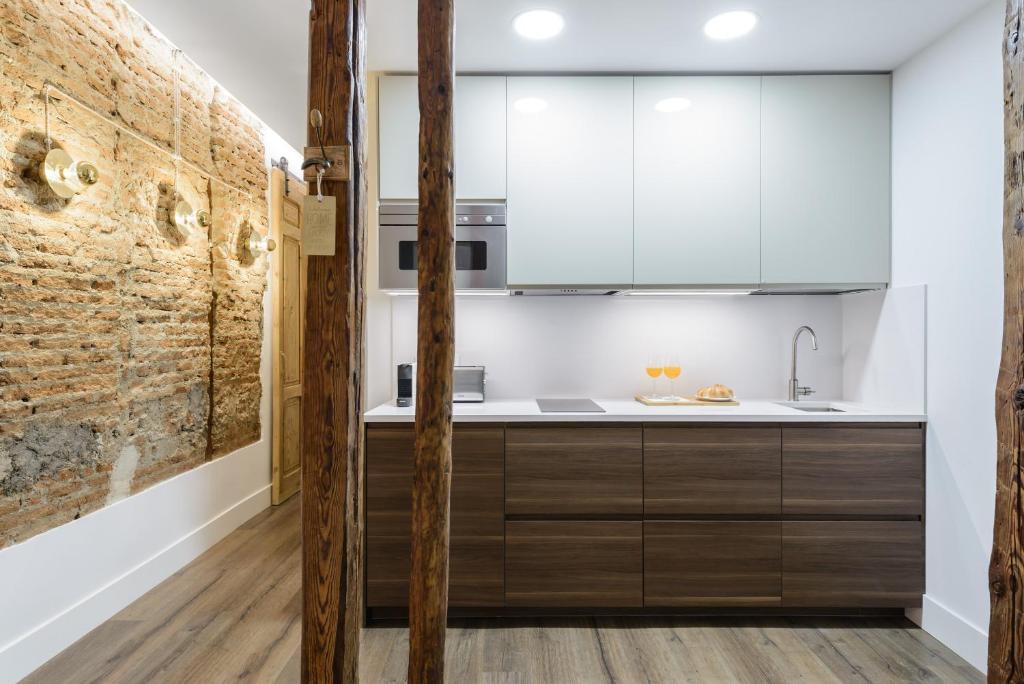 A bathroom at Charming Madrid Center