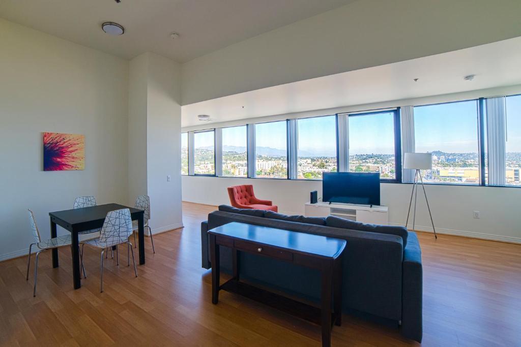 Hollywood Portico Apartment Los Angeles Ca Booking Com