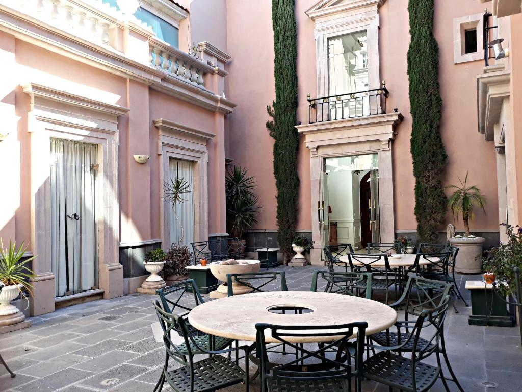 Casa toscana bed breakfast san miguel de allende for La casa toscana tradizionale