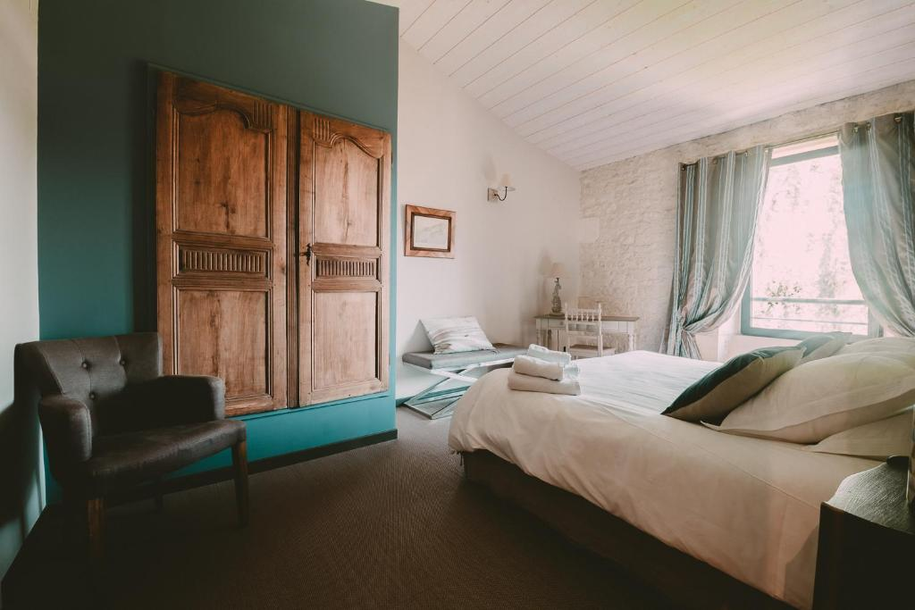 Bed and Breakfast Un Banc au Soleil, Marsilly, France - Booking.com