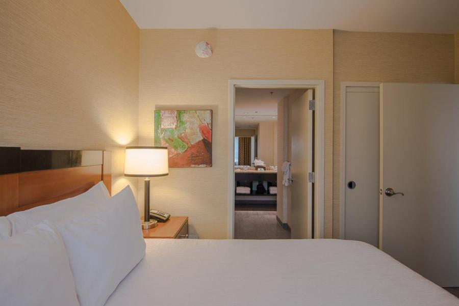 hilton garden inn reagan national airport reserve now gallery image of this property gallery image of this property - Hilton Garden Inn Reagan National Airport