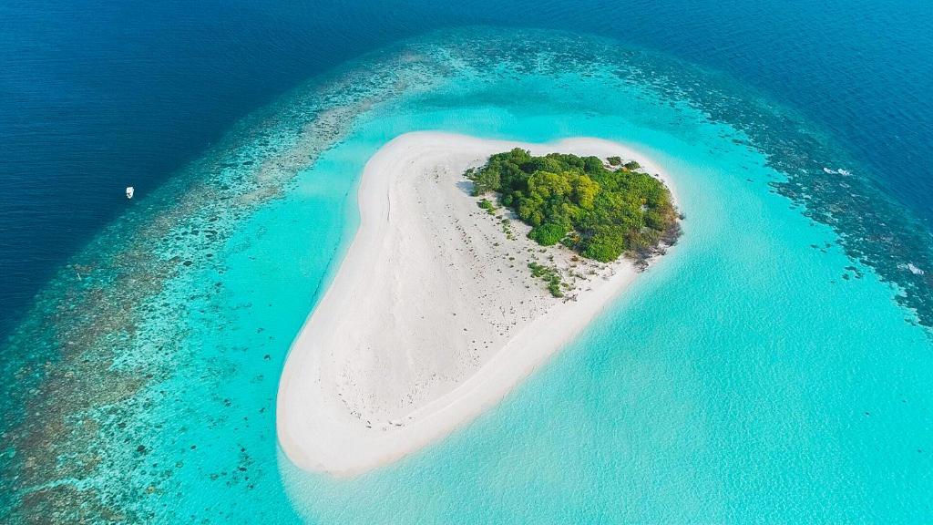 small island lodge vaadhoo maldives booking com