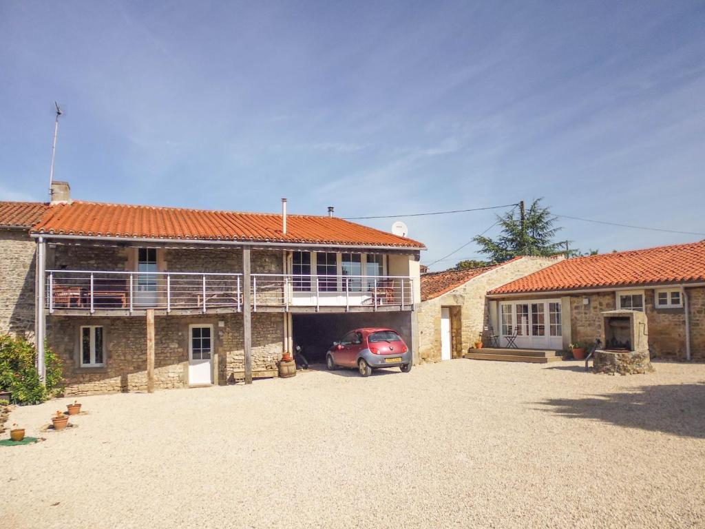 Apartments In Neuvy-bouin Poitou-charentes