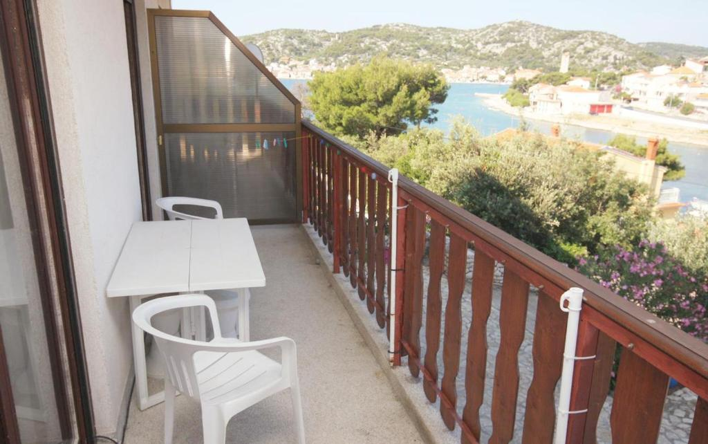 A balcony or terrace at Studio Tisno 5128a
