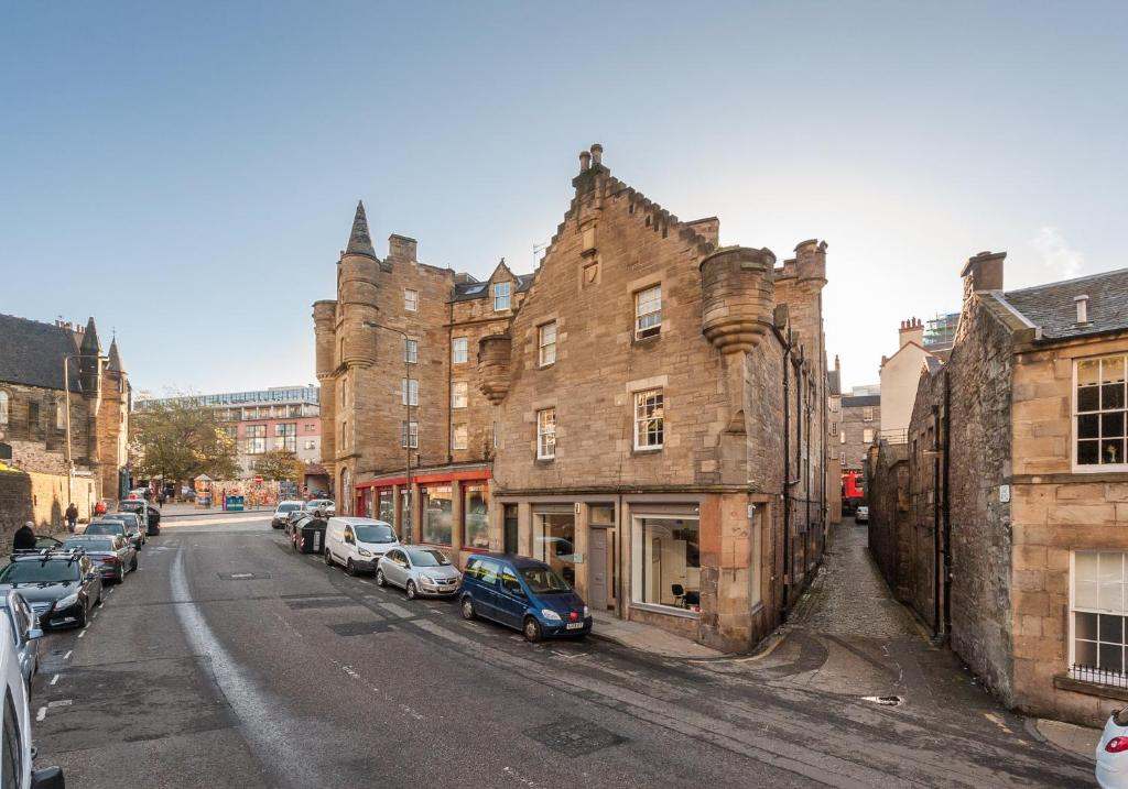 Castle Suite 2 Old Town, Edinburgh - Updated 2018 Prices