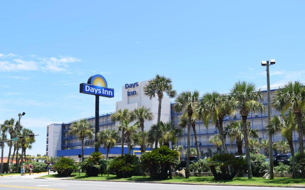 Days Inn Panama City Beach Fl Booking Com