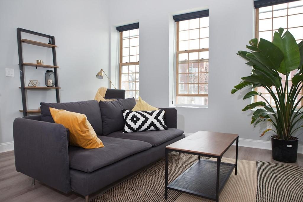 Charming Loft Apartment Washington D C Dc Booking Com