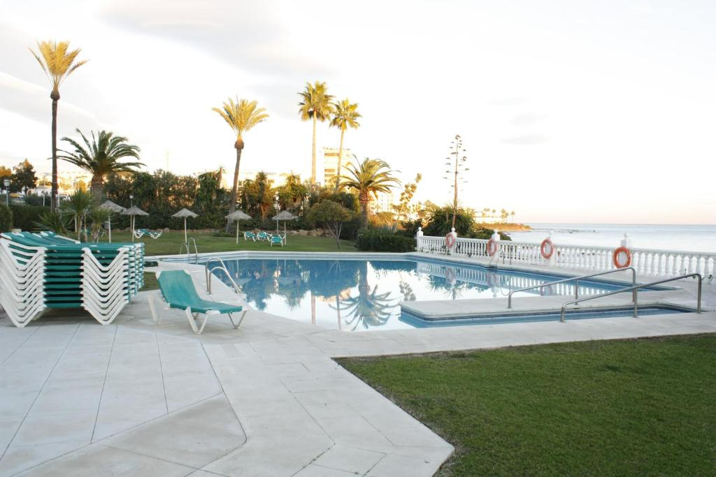 The swimming pool at or near Luxury in the beach, Lubina Sol