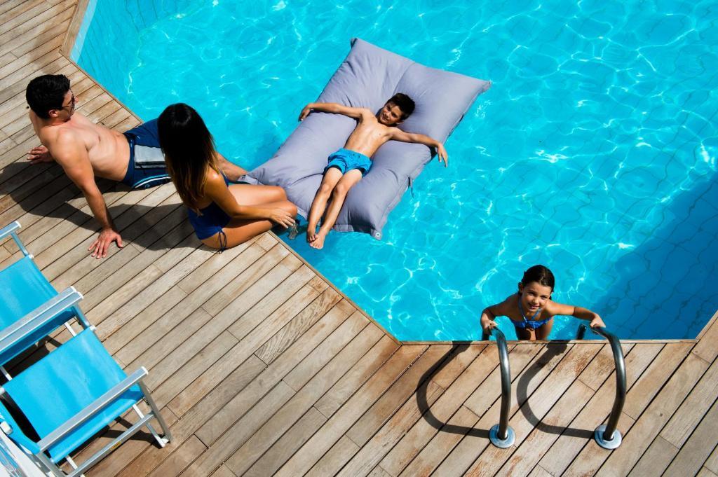 Der Swimmingpool an oder in der Nähe von Hotel Antibes