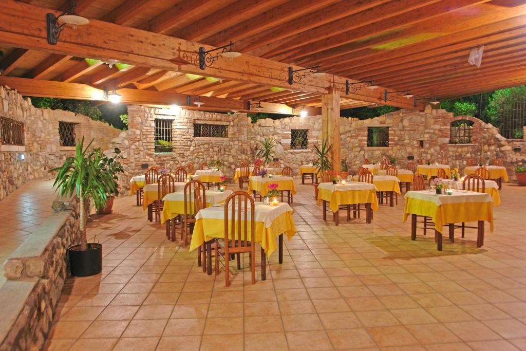 Hotel la pergola moniga prezzi aggiornati per il 2019 for La pergola prezzi