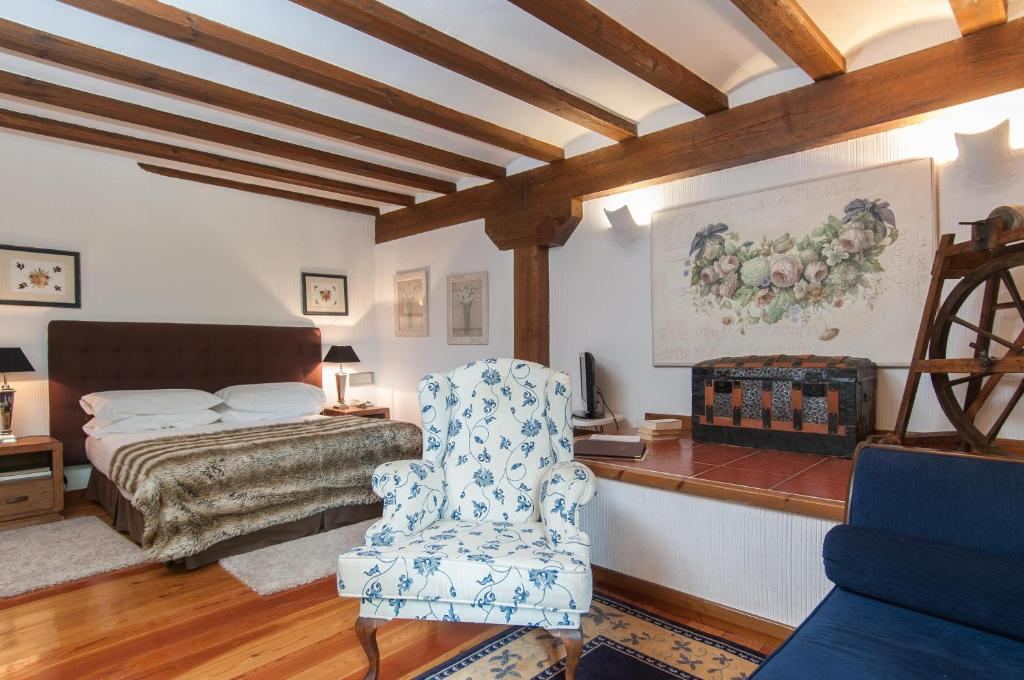 boutique hotels siguenza  12