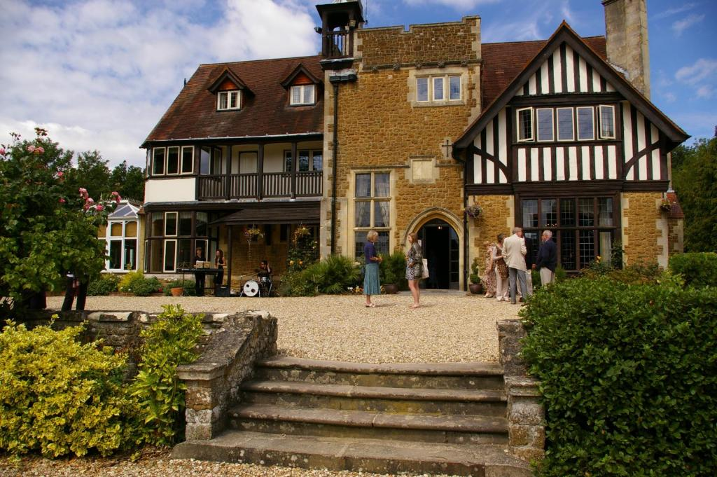 Farnham House Hotel UK Deals