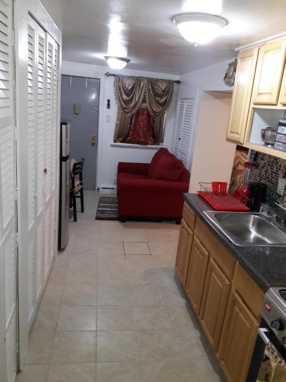1 Bdrm 2 Bdrm Apartment Bronx, NY - Booking.com