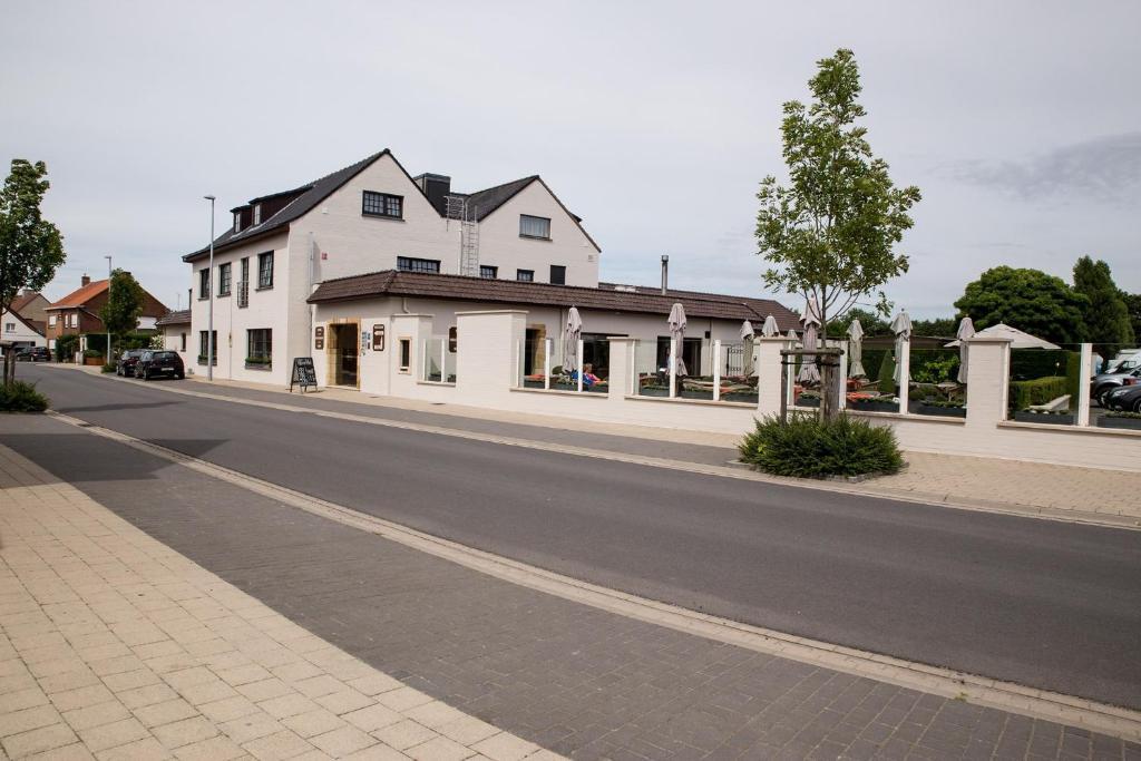 Hotel Salons De Vrede (Belgien Ichtegem) - Booking.com