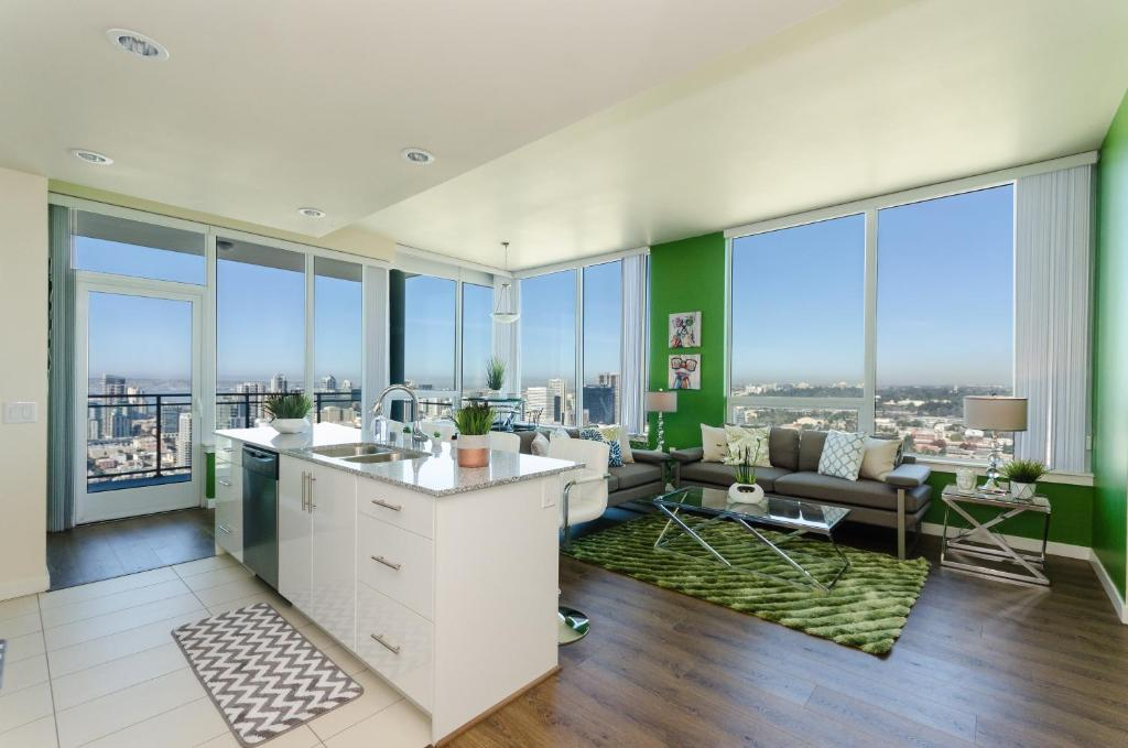 Gallery image of this property & Apartment Downtown San Diego Designer 3BR/2BA CA - Booking.com