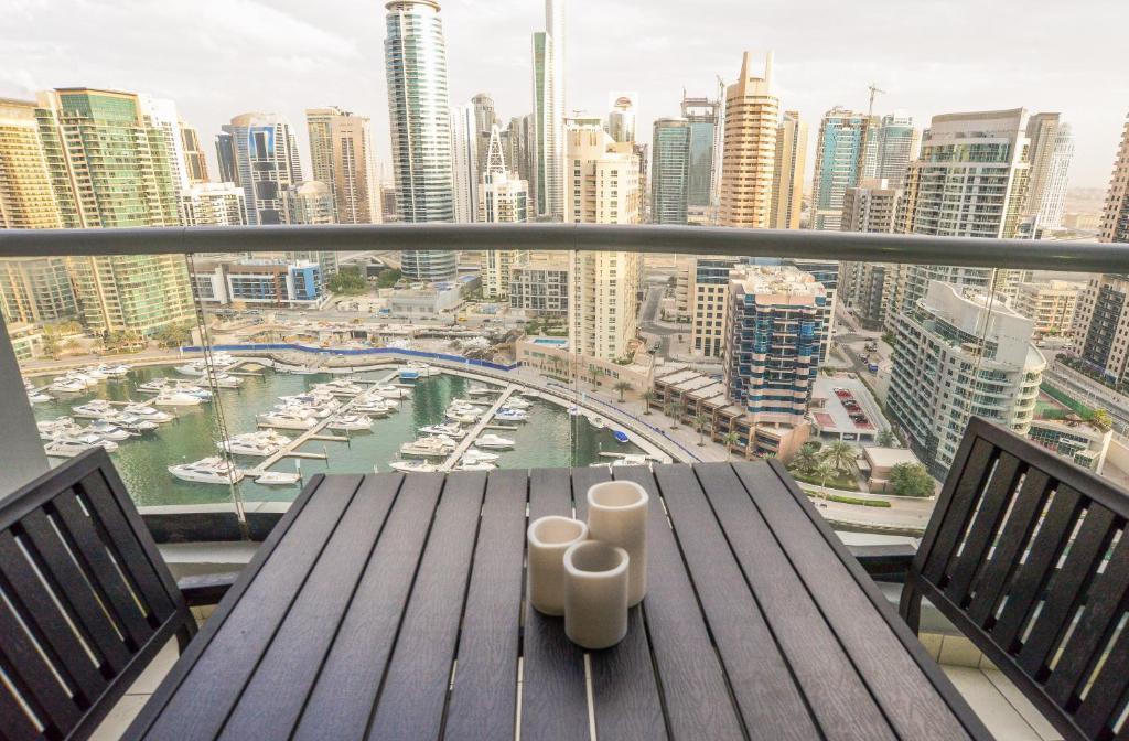 Apartment Yallarent Dubai Marina Uae Booking Com