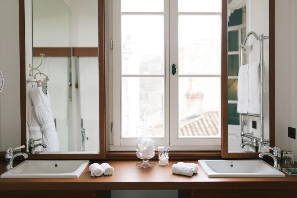 la mama bordeaux simple com a weekend at the mama shelter. Black Bedroom Furniture Sets. Home Design Ideas