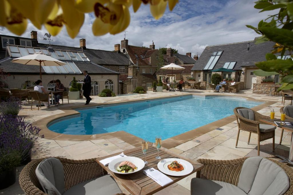 Feversham Arms Hotel   Verbena Spa, Helmsley – Updated 2019 Prices 6d7b275965f