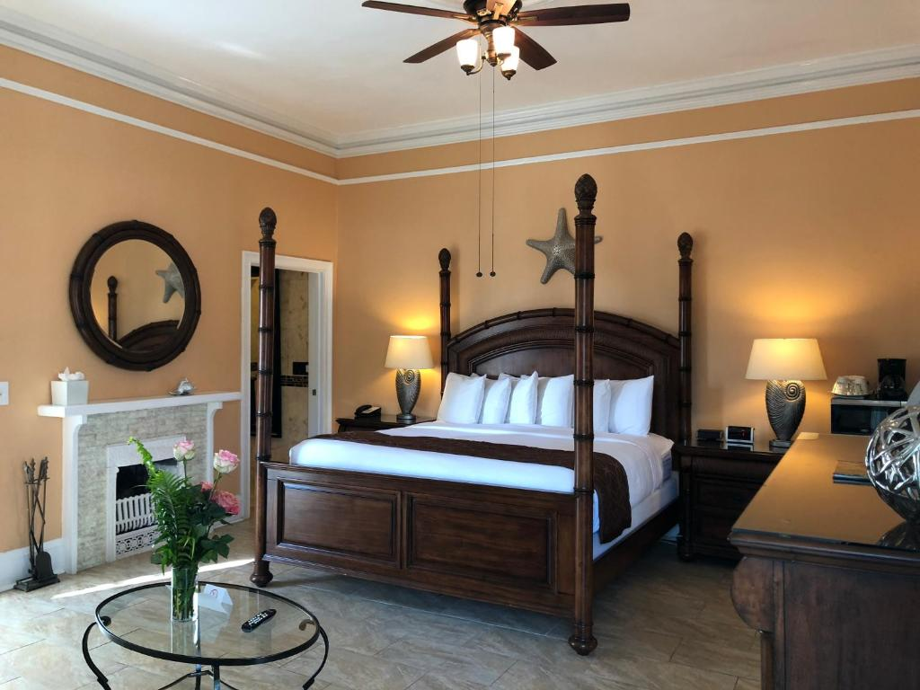 Southernmost Point Guest House, Key West – Updated 2018 Prices