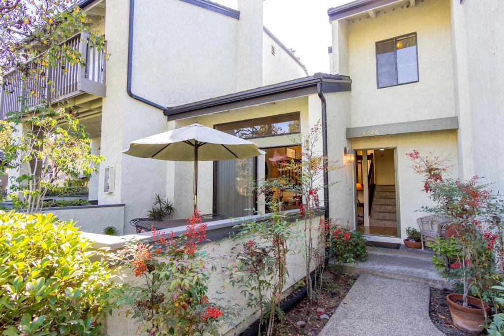 Hobiedom la jolla village san diego updated 2018 prices gallery image of this property solutioingenieria Choice Image