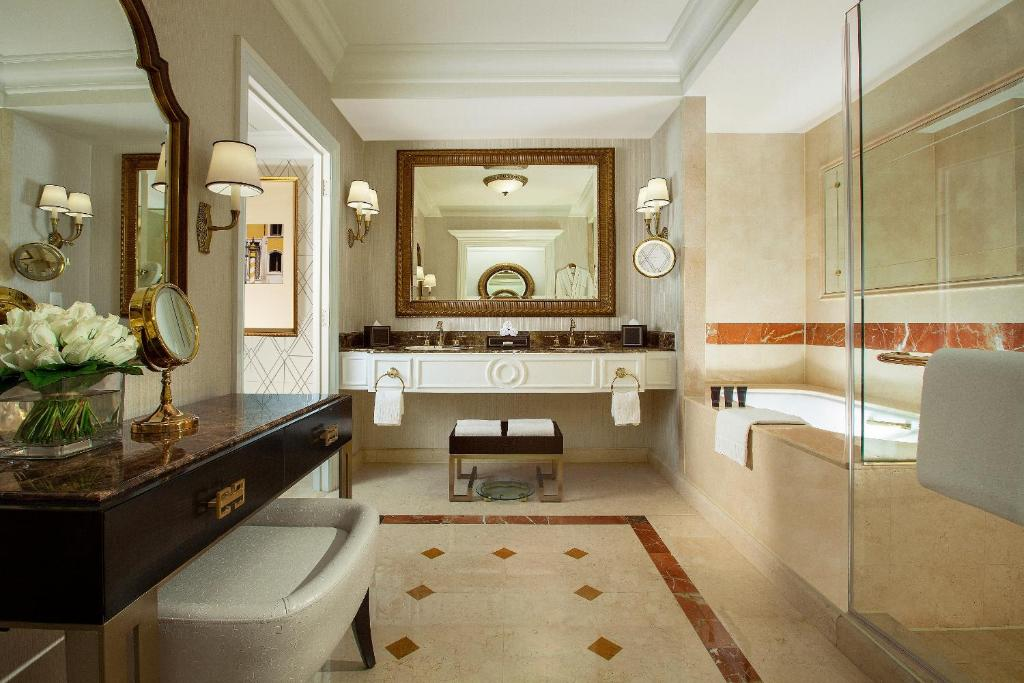 The venetian macao resort hotel macau macau booking gallery image of this property altavistaventures Images