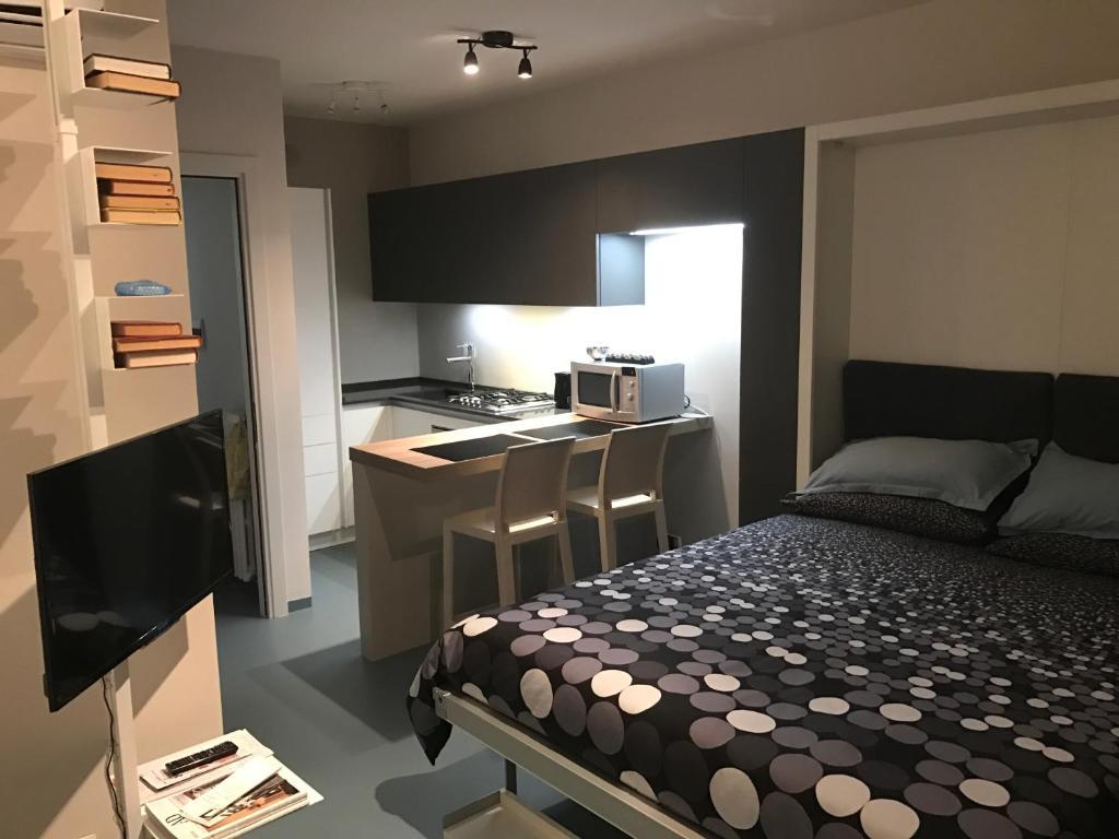 Appartamento monolocale porta susa italia torino for Monolocale arredato affitto torino