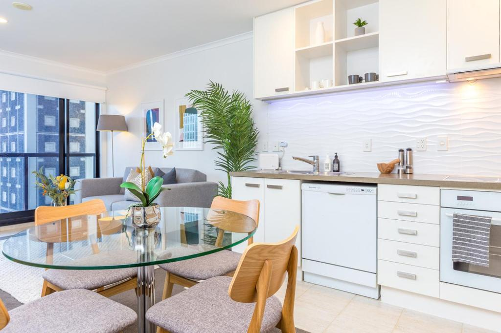 Gorgeous apartment! nice views pool and gym. auckland u2013 updated