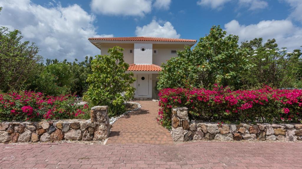 Villa Coral Estate
