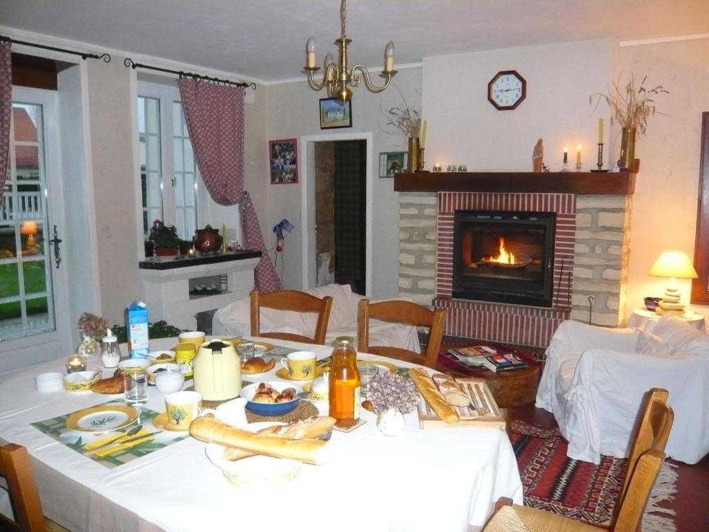 Bed & Breakfast La Maison Claire (Frankreich Longueville) - Booking.com