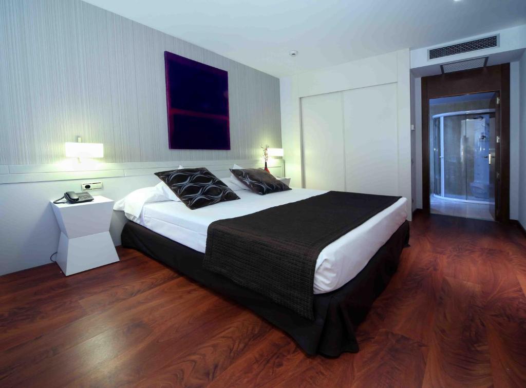 Piscina climatizada alcobendas best estilo resort como for Piscina de alcobendas