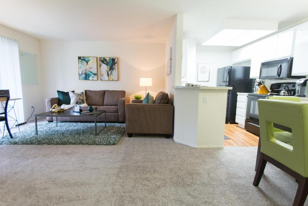 Apartment south coast plaza one bedroom costa mesa ca for 1 bedroom apartments in costa mesa