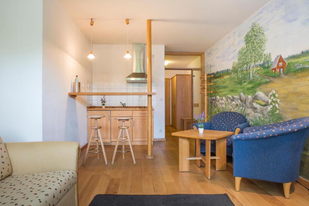 kotel hamburg germany. Black Bedroom Furniture Sets. Home Design Ideas