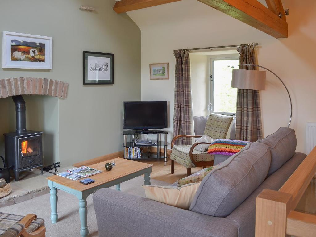 A seating area at Brow View Cottage