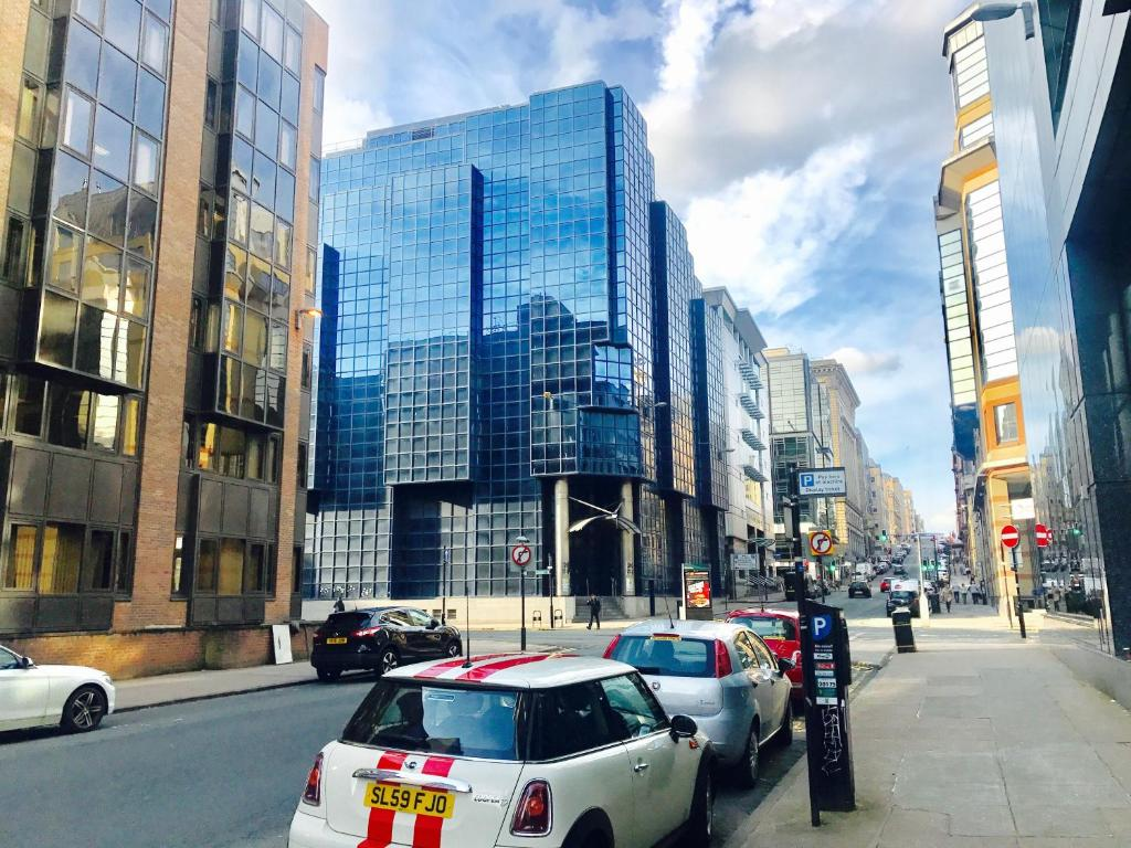 Glasgow Central Station SKYLINE Apartment with Parking (2 ...