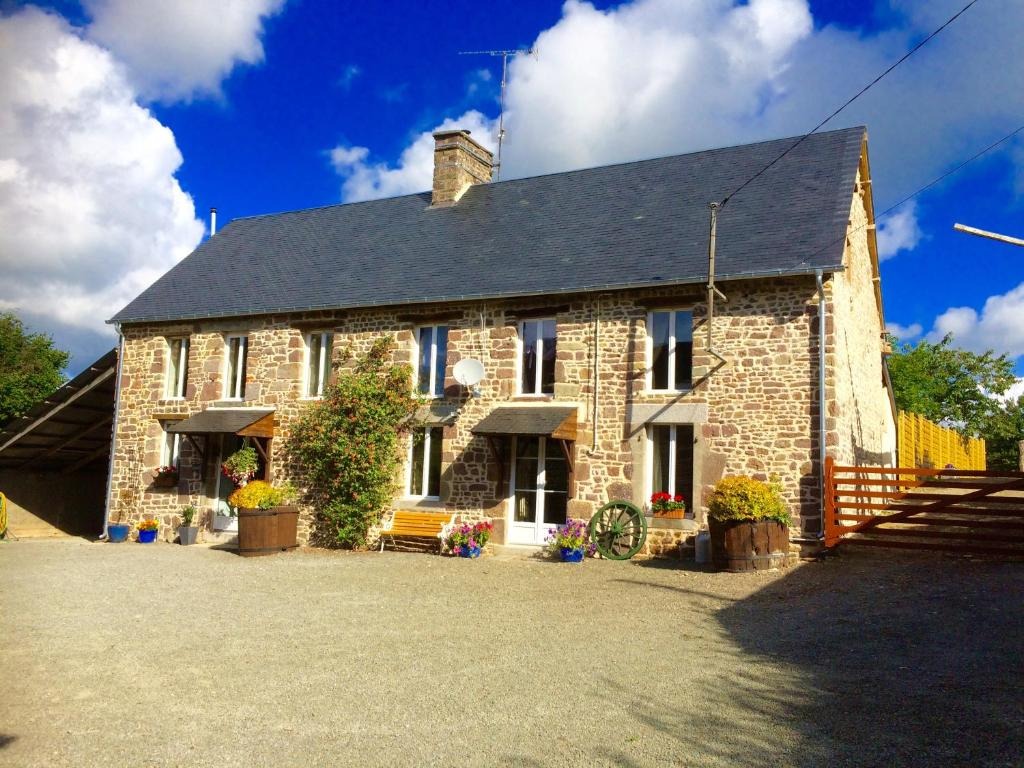 Gite in Normandy with jacuzzi/hot tub, Gavray – Updated 2018 Prices