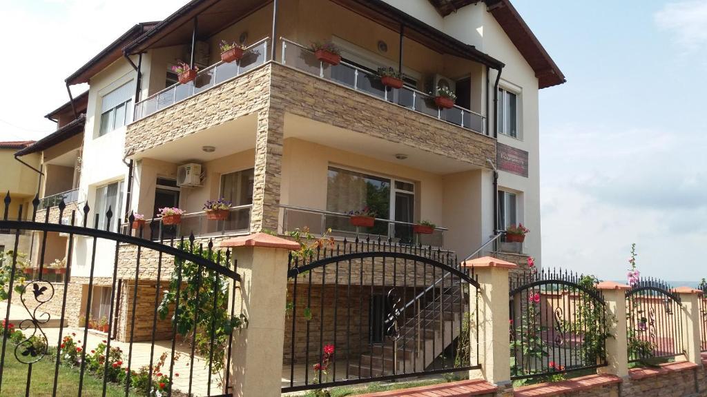 Къща за гости Guest House Amira - Кранево