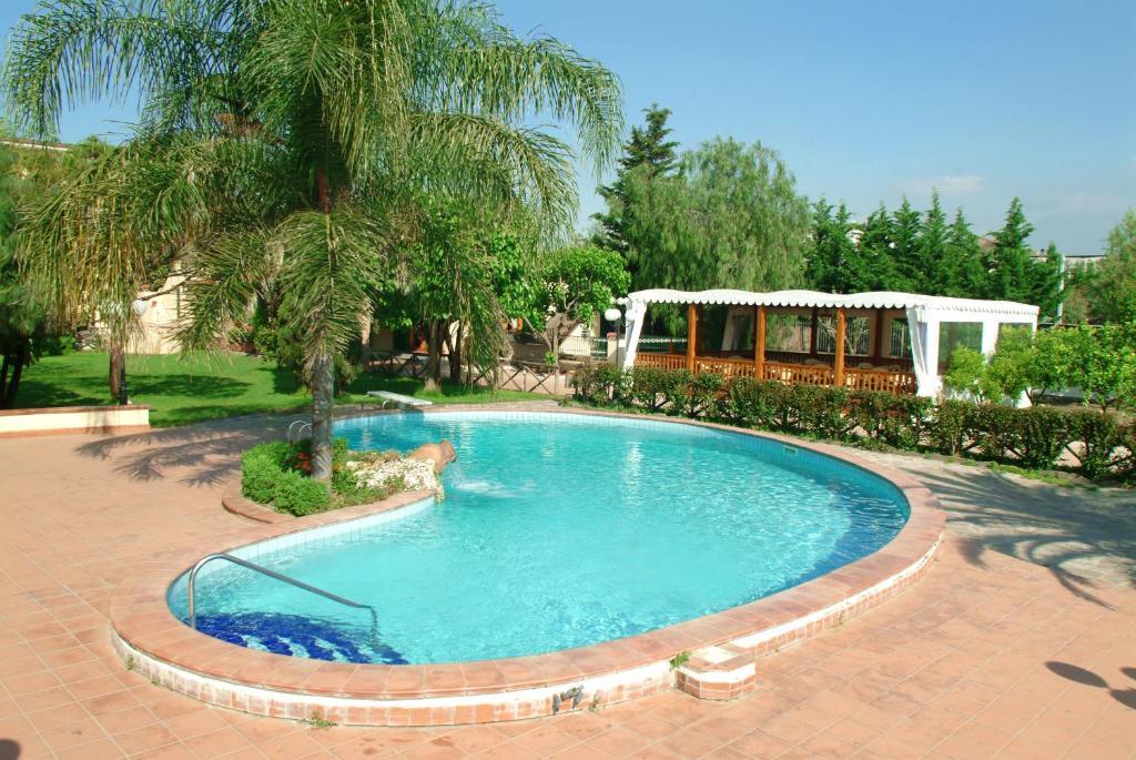 阿斯恩達農作維維自然酒店游泳池或附近泳池