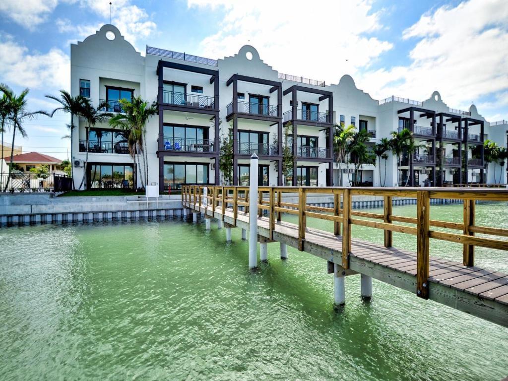 Brightwater Beach Hotel