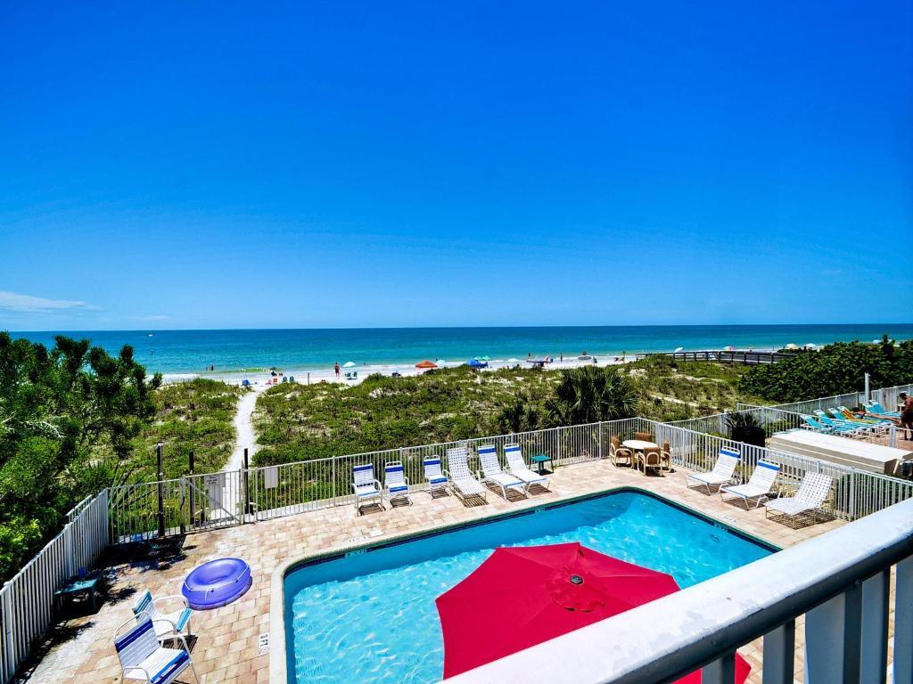 Apartment Beachside Hideout Unit K, Clearwater Beach, FL - Booking.com