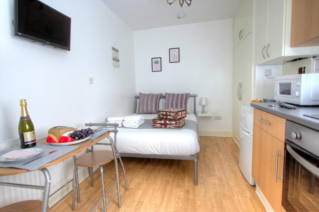 Badkamer Low Budget : Short stay low budget apartments london u2013 updated 2019 prices