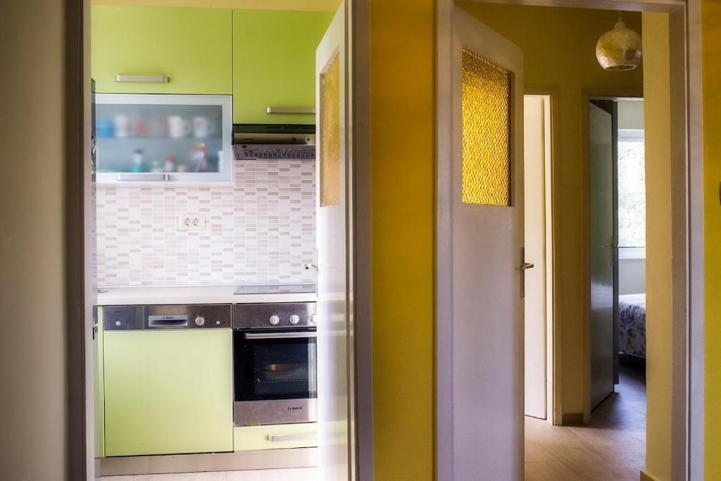 Küche/Küchenzeile In Der Unterkunft Apartment Mao: An Entire House Floor  Close To The