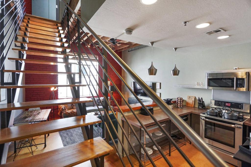 Condo hotel two bedroom two and a half bath industrial - Hotels in new orleans with 2 bedroom suites ...