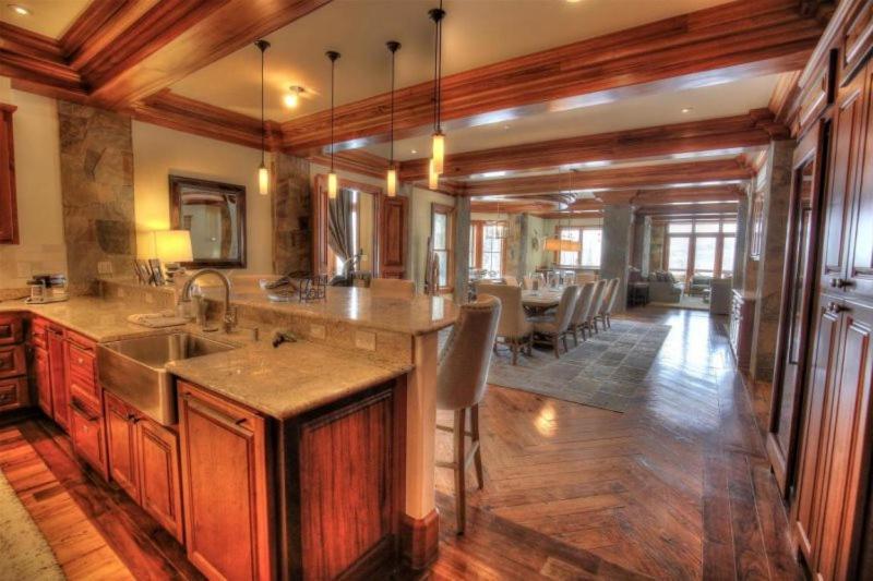 Apartments In Doral-telluride Heliport Colorado